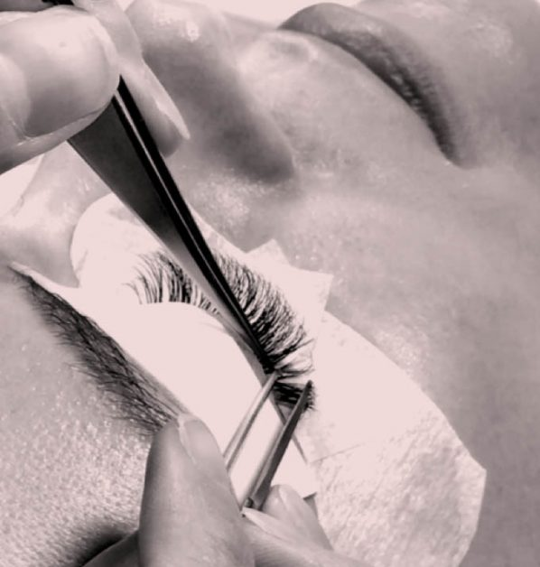 A closeup look of the eyelash extension service